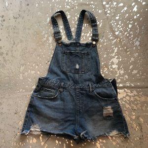 Adorable jean short overalls